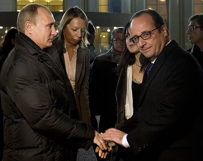 В отличие от других лидеров Запада президент Франции Франсуа Олланд (справа) готов к взаимодействию с Владимиром Путиным по Украине