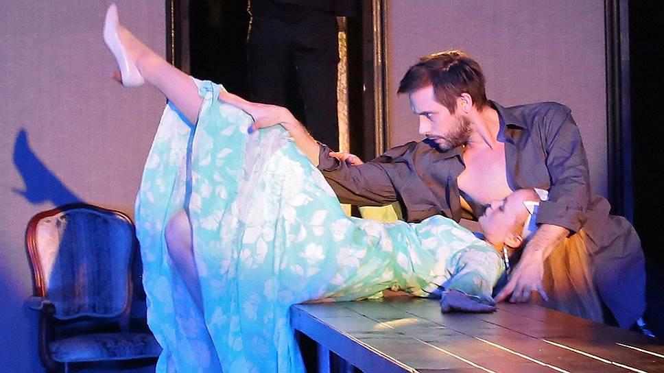 В постановке «Горе от ума» в Театре имени Моссовета нафталина замечено не было