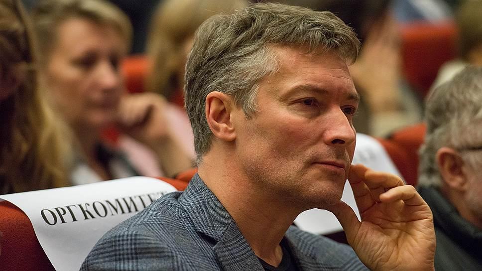 Мэр Екатеринбурга Евгений Ройзман ищет у жителей защиты от отмены прямых выборов мэра