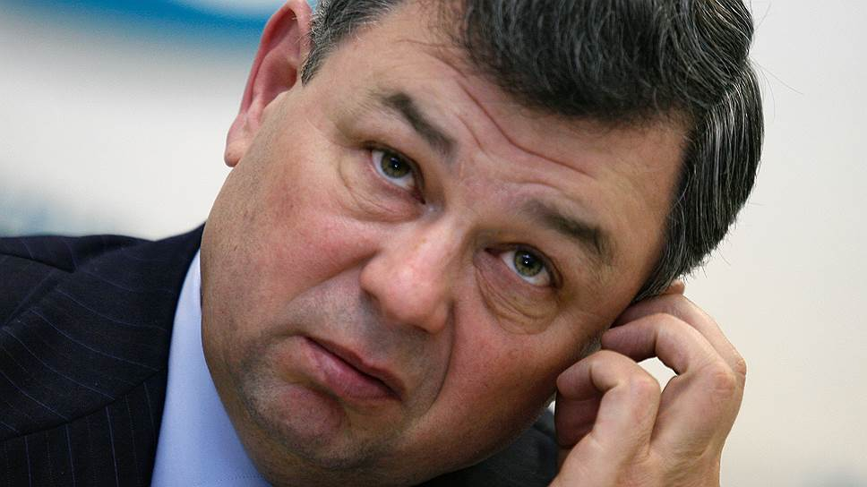 Калужский губернатор Анатолий Артамонов не видит оснований отказываться от участия в выборах
