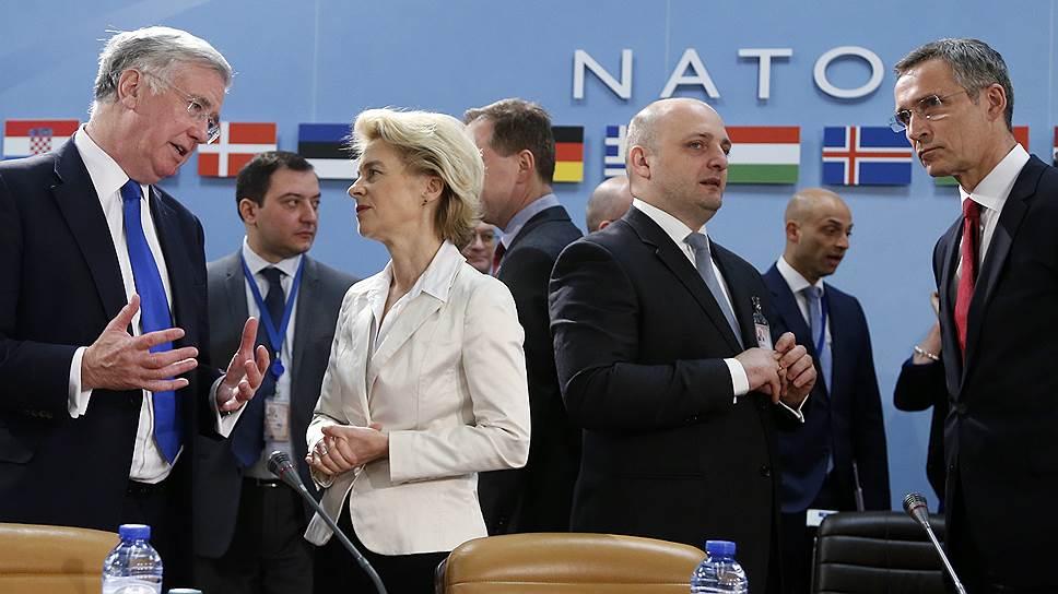 Министры НАТО осудили Россию со всех сторон