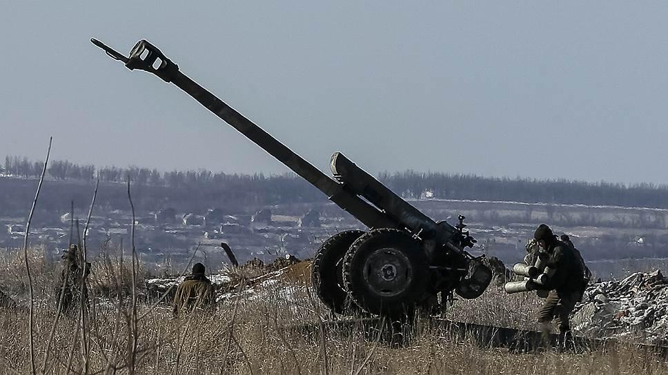 Стороны украинского конфликта так и не начали вчера отводить тяжелую артиллерию
