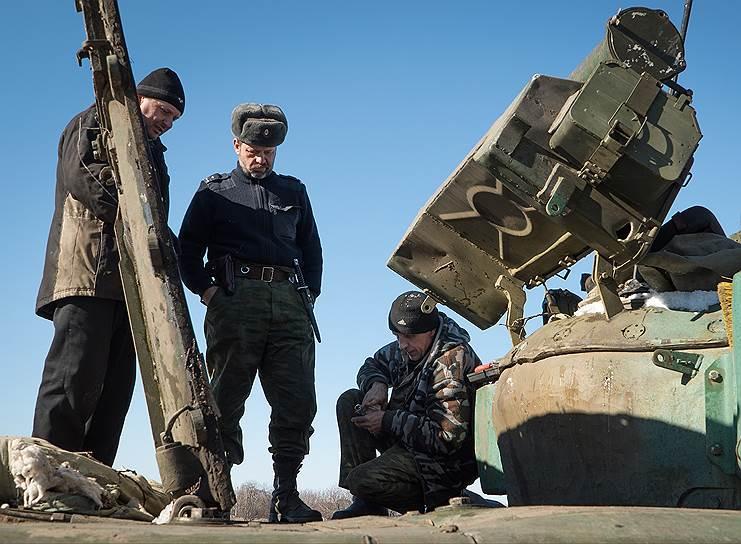 Заявление президента о завершении «планового отступления с оружием» из района Дебальцево стало полной неожиданностью и противоречило прежним комментариям как генштаба, так и украинских военных в зоне конфликта