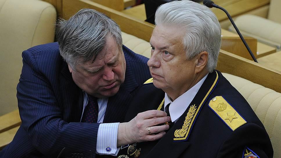 Николай Ковалев (справа) решил добавить ФСБ новых полномочий