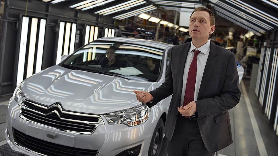 Директор завода Citroen, Peugeot, Mitsubishi Жан-Кристоф Маршаль (на фото) готов к диалогу с профсоюзами, но продлевать трудовой договор с работницей Ольгой Суховой и несколькими десятками ее коллег отказывается
