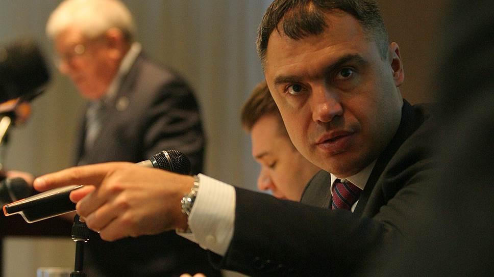 Павел Скурихин (справа) стал фигурантом расследования, начатого в Лихтенштейне