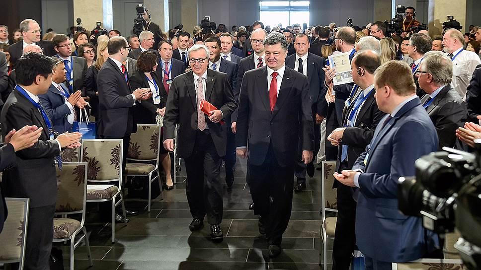 Как Украину поддержали словом и немного деньгами