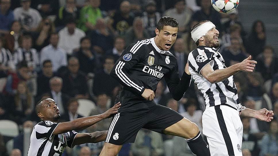 76-й гол Криштиану Роналду (в черной форме) в Лиге чемпионов не помог «Реалу» справиться с «Ювентусом»