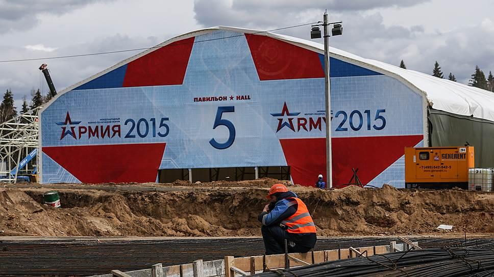 Как Минобороны в срочном порядке достраивает военный парк в Кубинке
