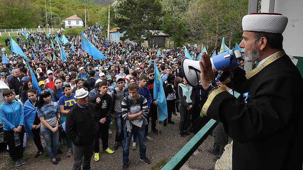 Почему крымскотатарский траур не пускают на улицы