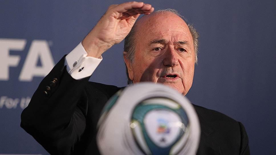 Как FIFA поймали на игре рукой