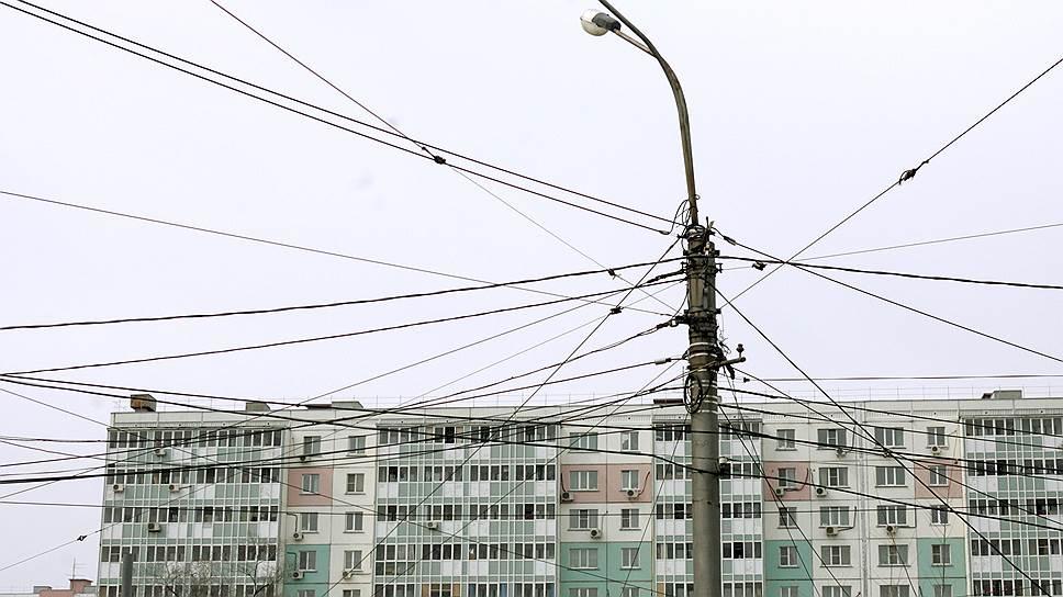 Как власти Москвы пытались заставить интернет-провайдеров спрятать протянутые по воздуху провода под землю