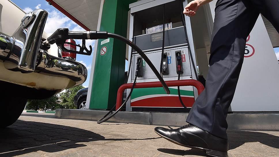 Лето разогрело цены на бензин