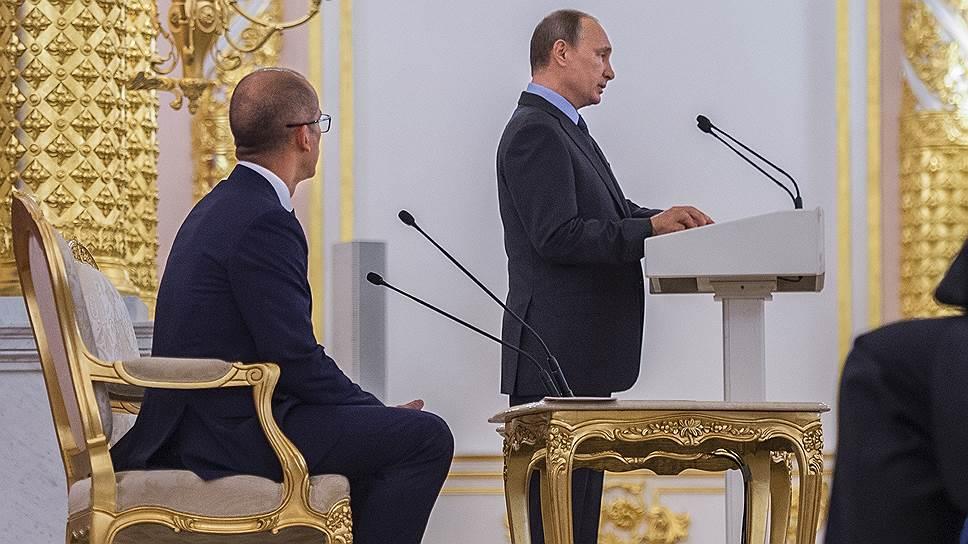 Момент национальной безопасности / Владимир Путин призвал скорректировать закон об НКО