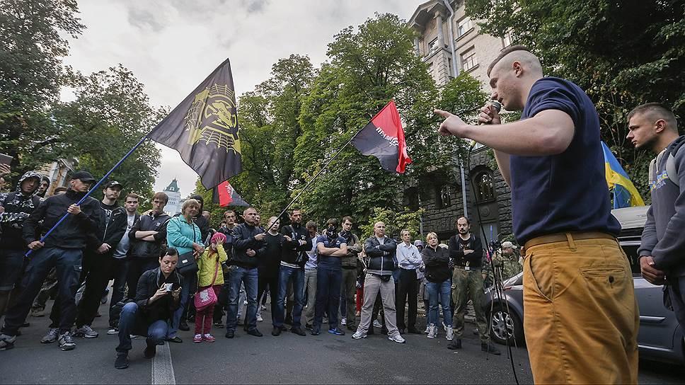 Как конфликт с радикальными националистами стал испытанием для украинской государственности