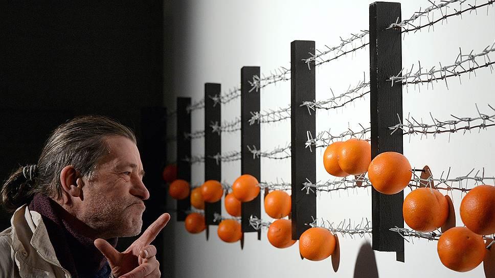Давите апельсины бочками