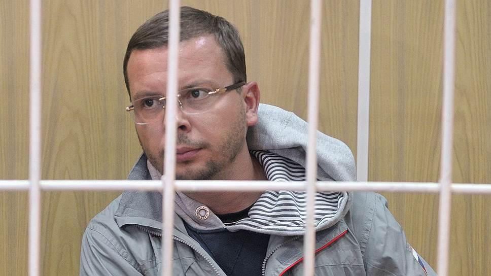 Лучший следователь Москвы осужден как адвокат