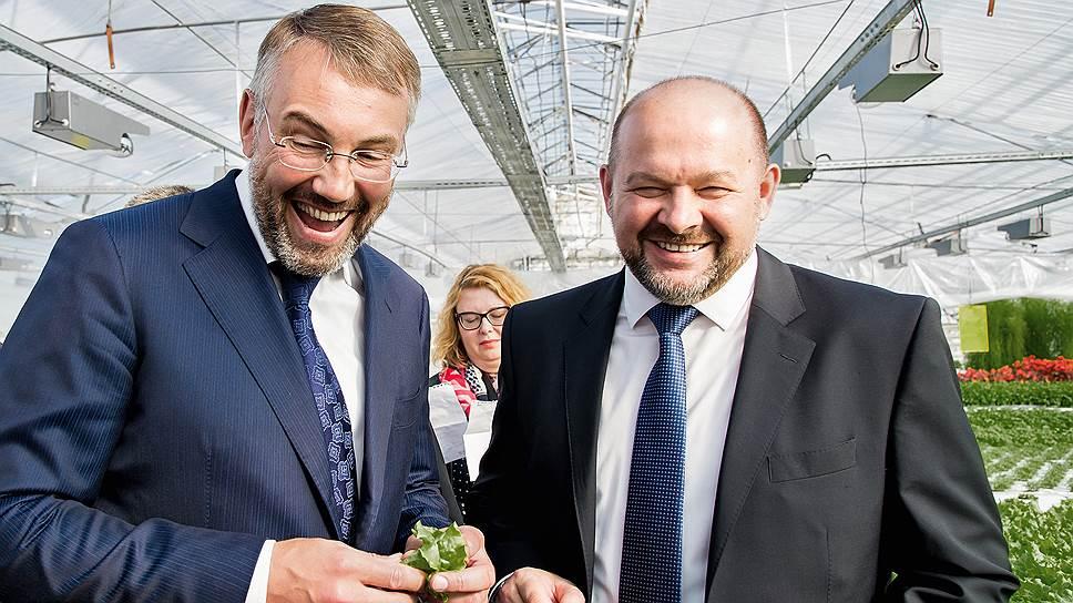 Игорю Кошину (слева) в короткий срок надо настроить жителей НАО на новую волну, чтобы они проголосовали за Игоря Орлова (справа)