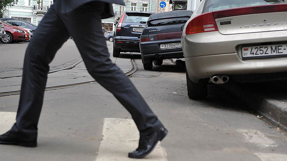 Москвичей попросили присмотреть за парковкой