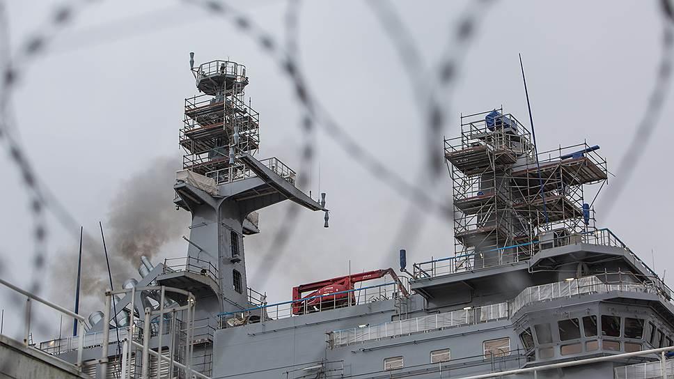 Франция предлагает купить вертолетоносцы, а Россия — вертолеты к ним