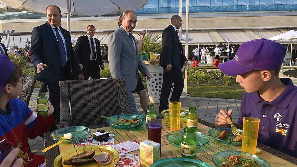 Какими знаниями поделился с одаренными детьми Владимир Путин