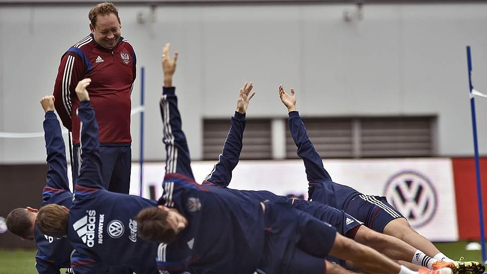 Сборная России оценит тренера в Евро