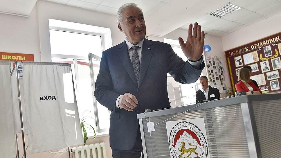 Как в 2015 году у президента Южной Осетии назрел вопрос присоединения