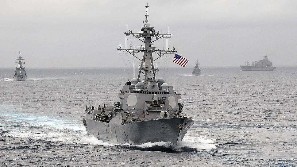 Американский корабль зашел в территориальный спор