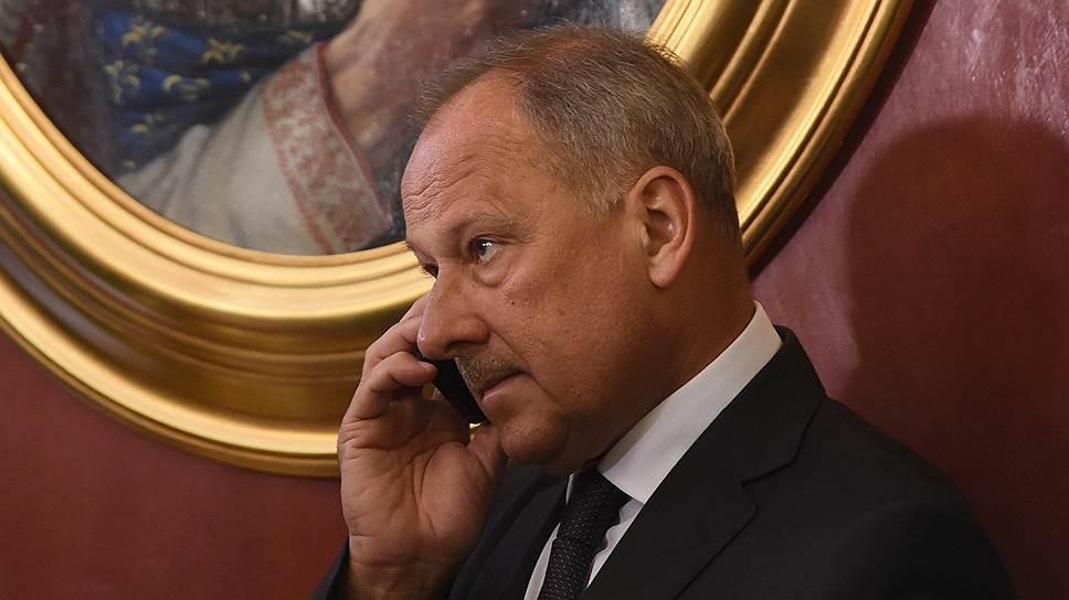 ВЭБ планируют поддержать ОФЗ на 1,5 триллиона рублей