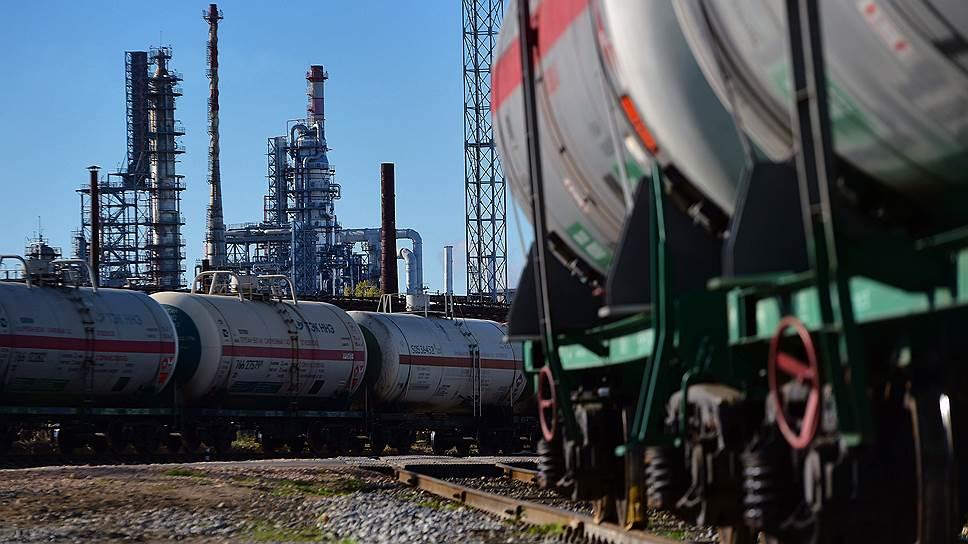 Избыток нефти грозит дефицитом