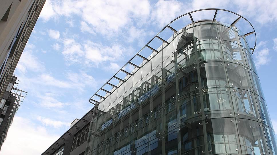 Как девальвация национальной валюты сыграла на руку арендаторам московских офисов