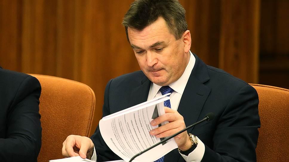 Почему приморского губернатора заподозрили в нецелевом полете