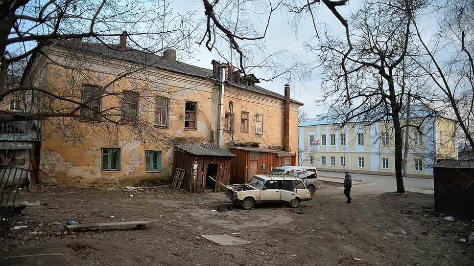 Почему над  губернаторами Карелии и Забайкалья нависло ветхое жилье