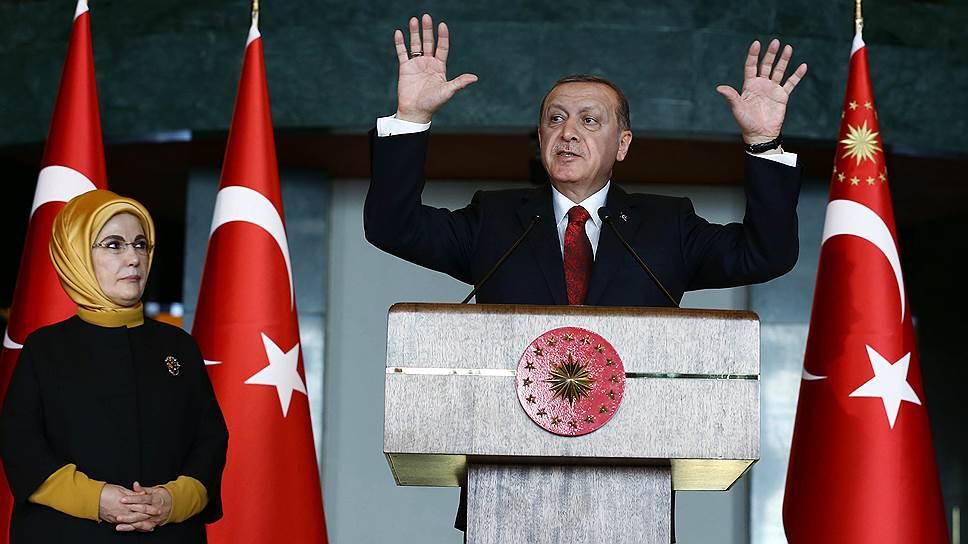 Президент Турции попал между двух Курдистанов