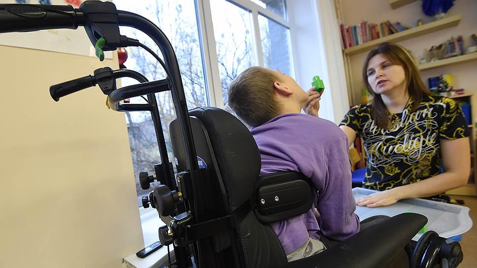 Детям-инвалидам обещают скорую помощь