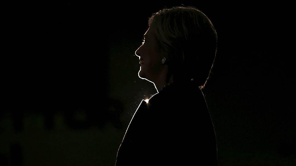Что содержится в электронной переписке Хиллари Клинтон