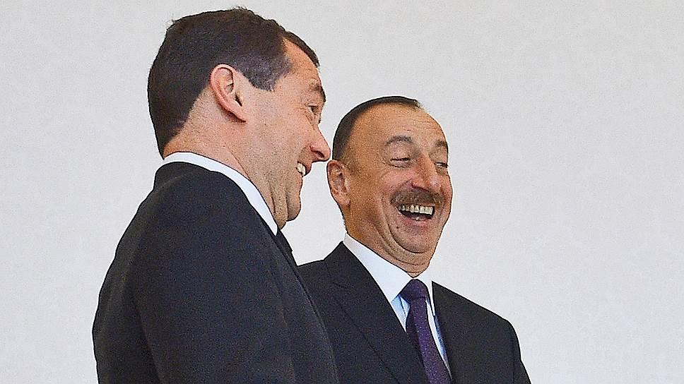Дмитрий Медведев подошел к Карабаху симметрично