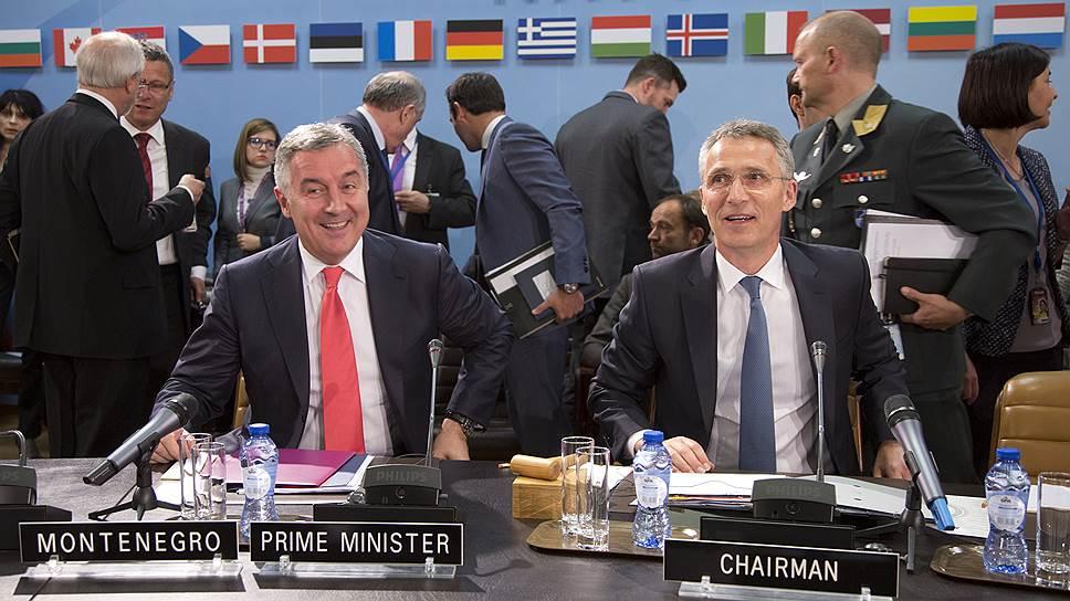 НАТО маневрирует поближе к России