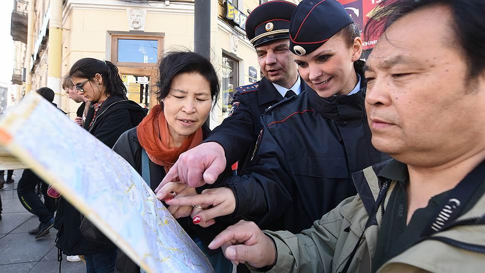 Почему число иностранных туристов в России сокращается