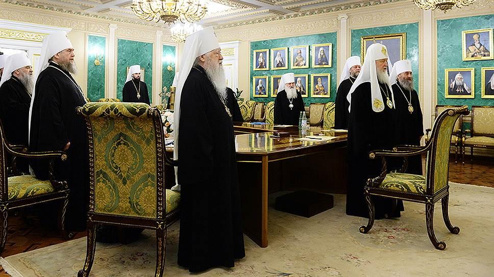 Как РПЦ присоединилась к требованию о переносе Всеправославного собора