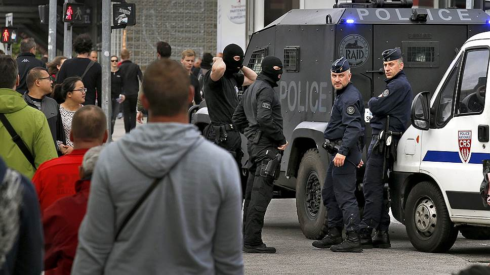 Полиция Лилля подготовилась к приезду российских и английских болельщиков
