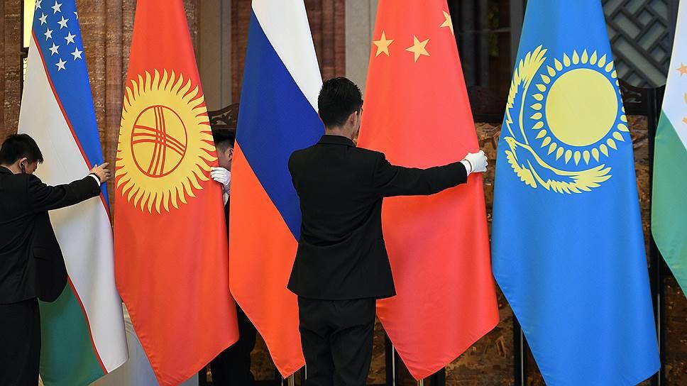 Центральную Азию защитят от трех зол