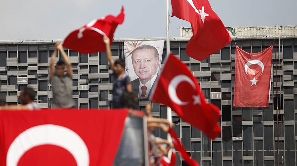Почему действия турецких властей грозят осложнить отношения Анкары с Западом