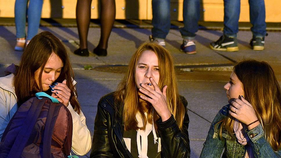 Как PMI во втором квартале снизила отгрузки сигарет в России на 11% и сократила долю рынка
