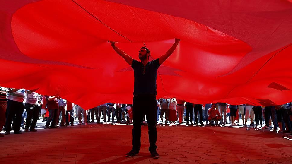 Как в Турции подозреваемые в нелояльности массово лишаются работы и должностей