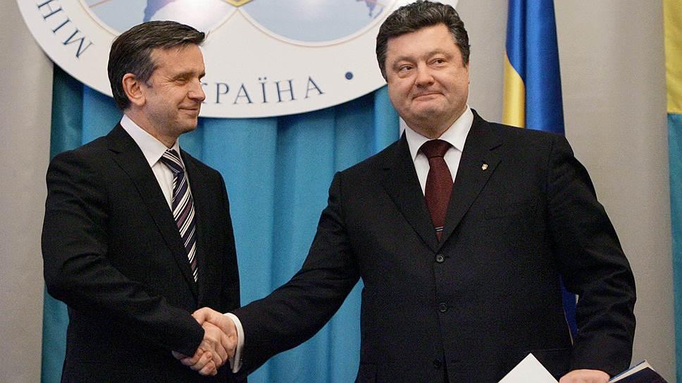 Бывший посол России на Украине Михаил Зурабов (слева) и президент Украины Петр Порошенко