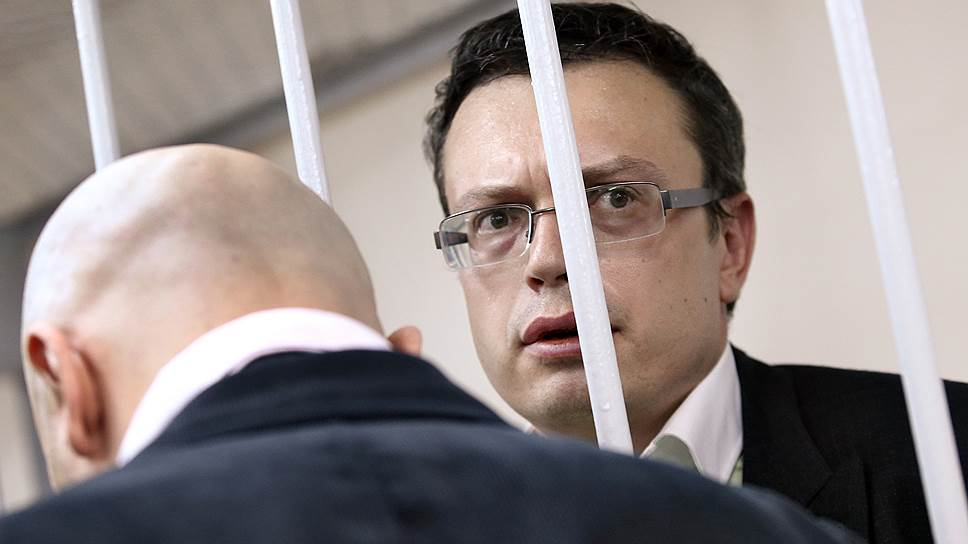 Как высокопоставленных следователей заподозрили в получении особо крупной взятки от вора в законе Захария Калашова