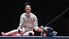 Сабли, свист и звон медалей />/ У российской команды второе золото и еще три серебра