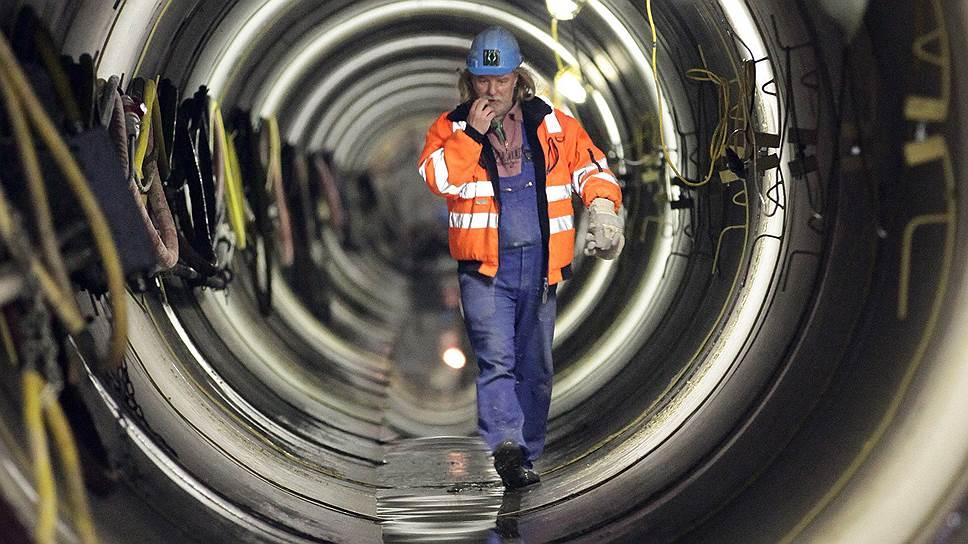 """Почему """"Газпрому"""" придется строить Nord Stream 2 самостоятельно"""