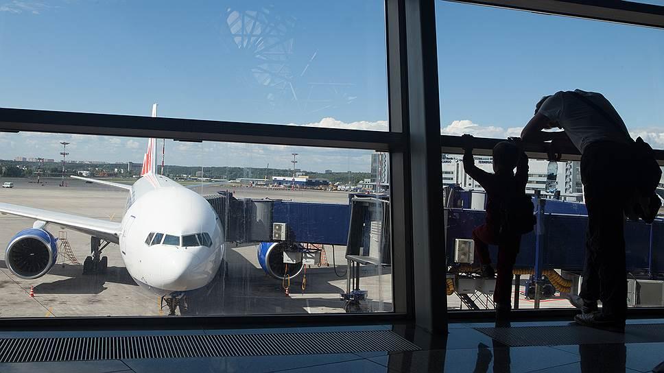 Как авиакомпании делят пассажиров